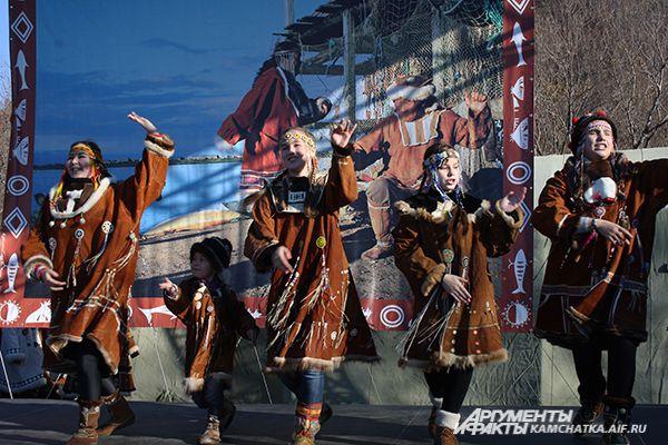 Древний корякский праздник «Хололо».