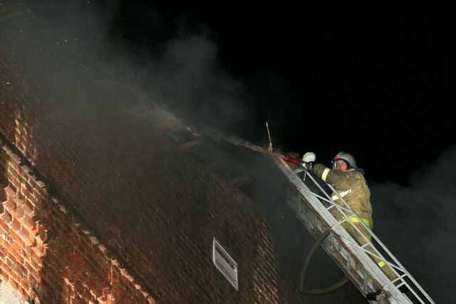 Пожарные оперативно прибыли на место происшествия уже через 5 минут.