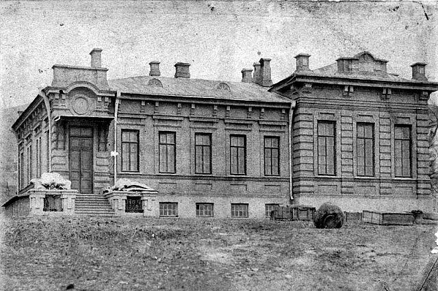 Николай Петрович Матвеев (Амурский) - автор первой книги по истории Владивостока