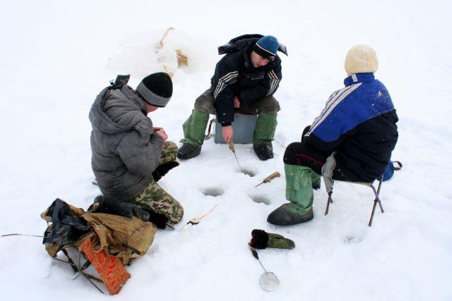 Зимняя рыбалка (архивное фото).