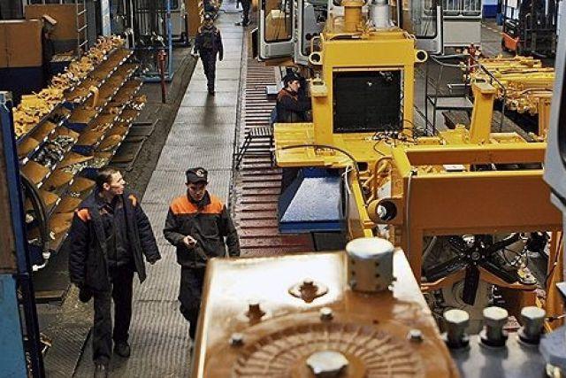 Восполнение дефицита рабочих кадров планируется за счет оснащения высокотехнологичных рабочих мест и учебных центров на предприятиях.