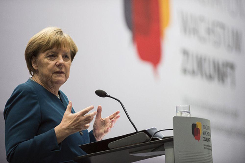 Второе место у канцлера ФРГ Ангелы Меркель, которая в прошлом году была на пятом месте.