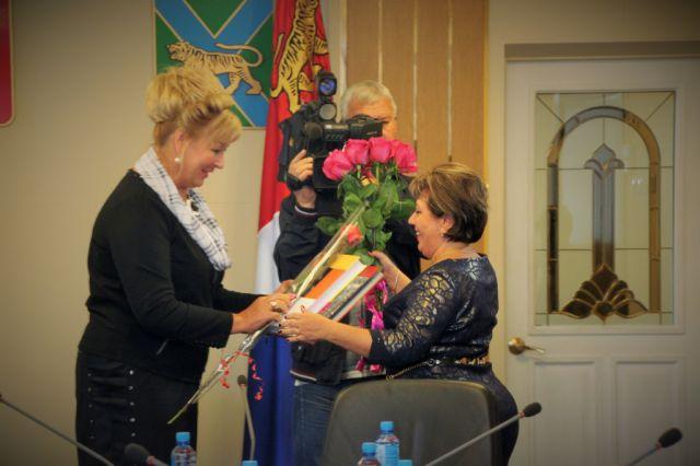 Лучшие учителя Приморья получили награды и поздравления от вице- губернатора.