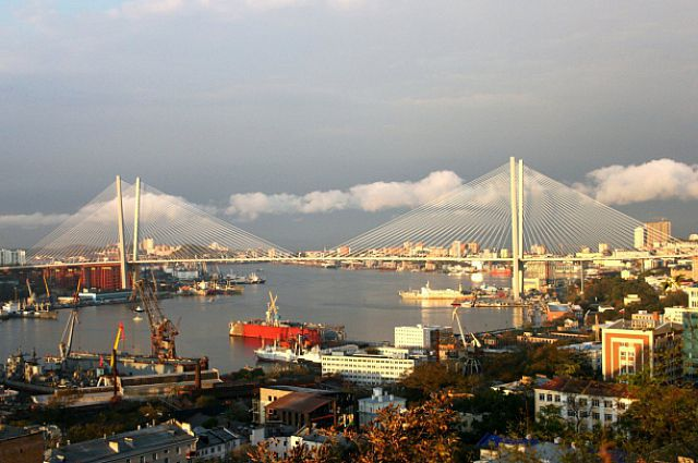 Свободный порт определяет будущее края.