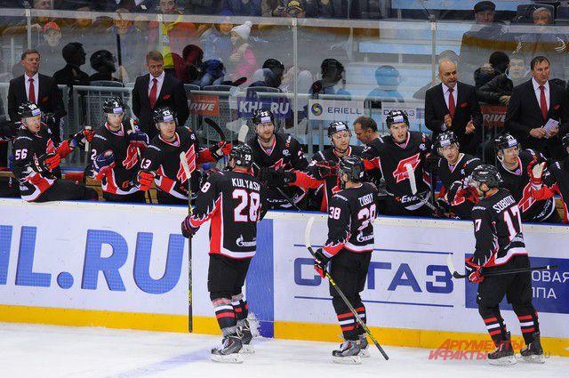 Лучшие омские хоккеисты всех времён выйдут на лёд «Арены Омск» 7 ноября.