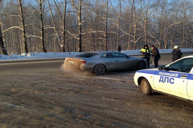 Водители машин с «особыми» номерами оказались частыми нарушителями ПДД.