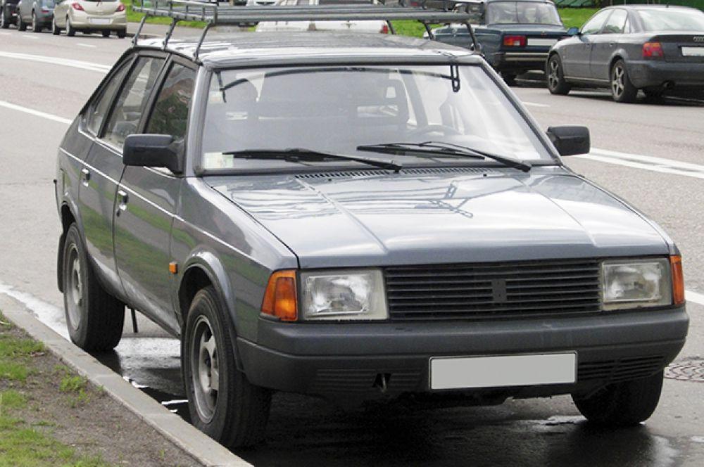 «Москвич-2141» – последнее поколение «Москвичей» оставалось на конвейере вплоть до 2001 года.