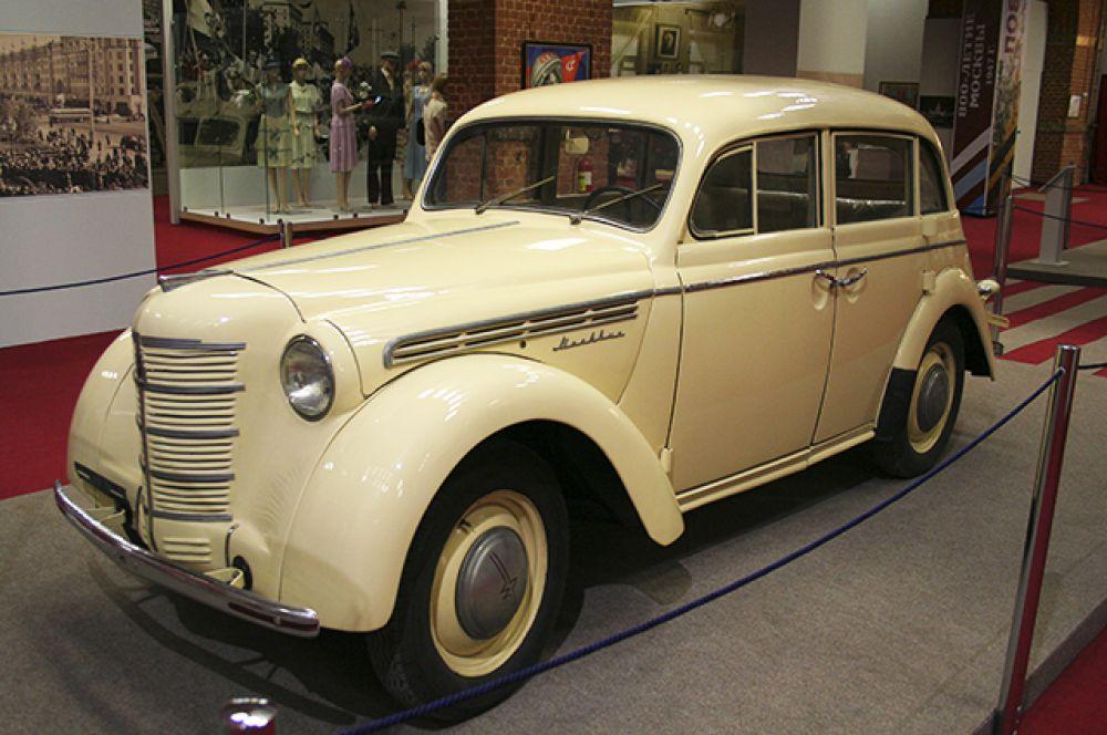 «Москвич-400» – первый советский автомобиль для индивидуального пользования, 1947 год.