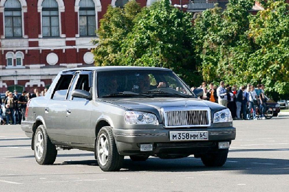 «Москвич-2142» – люксовая версия модели 2142 была создана «по мотивам» Cadillac для нужд правительства Москвы.