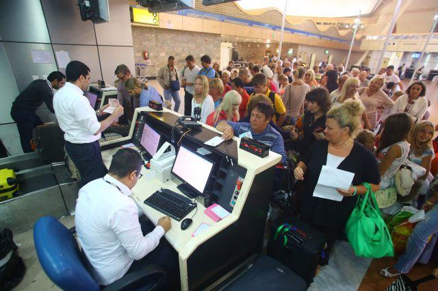 МЧС открывает горячую линию по авиасообщению с Египтом