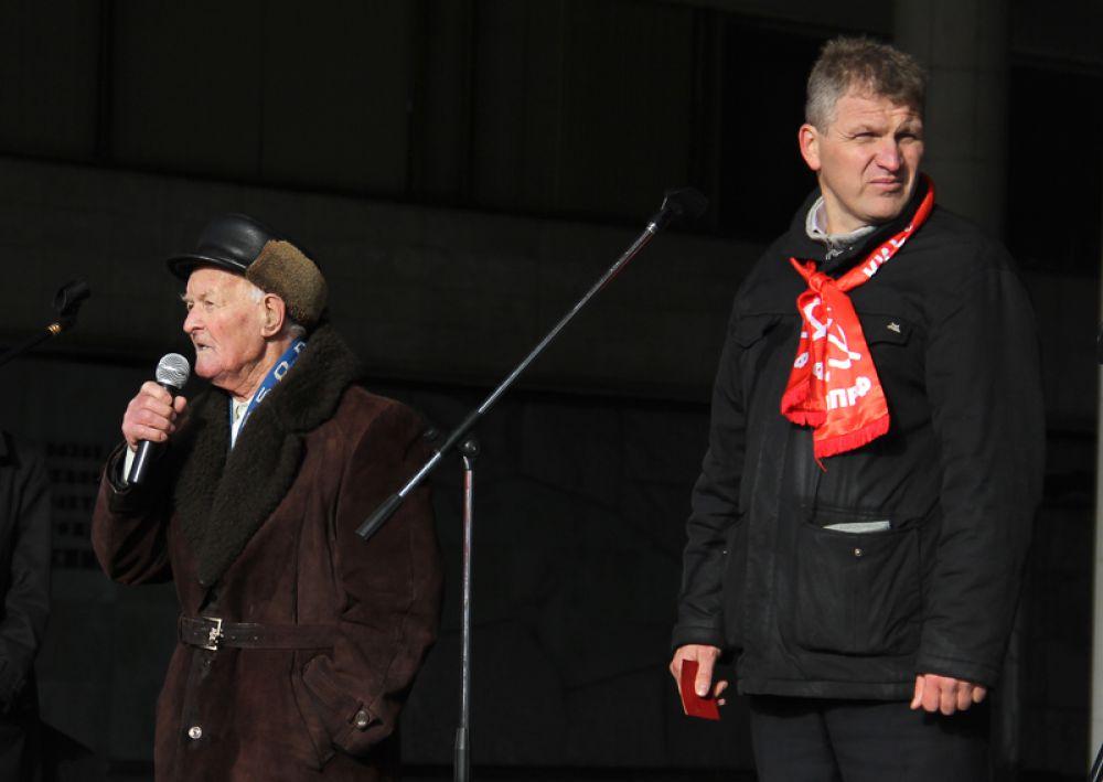 Ораторов поддерживал лидер ульяновских коммунистов Алексей Куринный