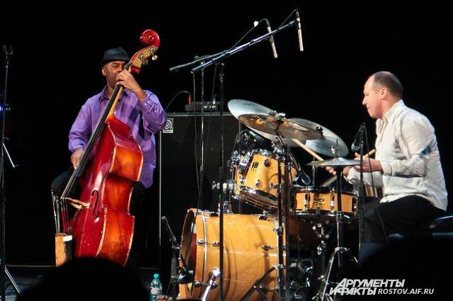 Темой выставочного проекта в рамках фестиваля стала история развития джаза.