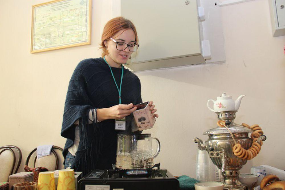 Подкрепить силы можно было чаем с баранками.