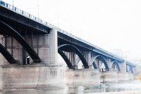 Коммунальный мост в Новосибирске.