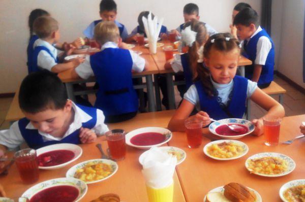 Обед из трёх блюд в школах Волгодонска стоит около 45 рублей.