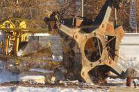 Строительный кран рухнул в Омске на проезжую часть.