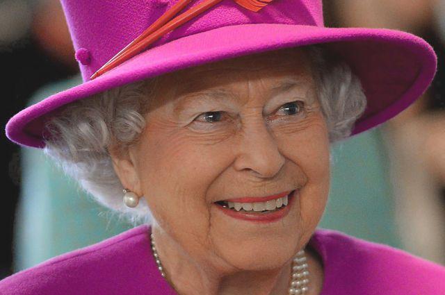 королева елизавета вручила россиянке орден