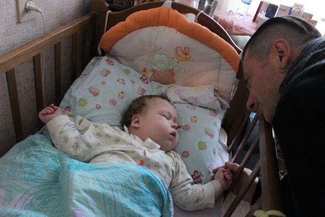 Артист встретился с больными детьми.