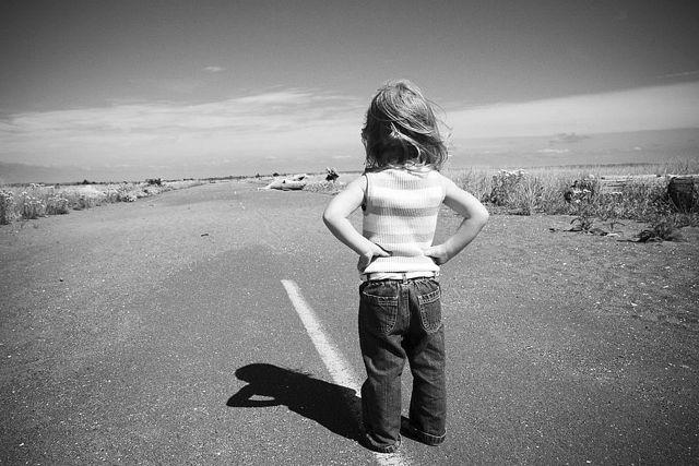 Взрослые споры часто оставляют детей один на один с непростой жизнью.