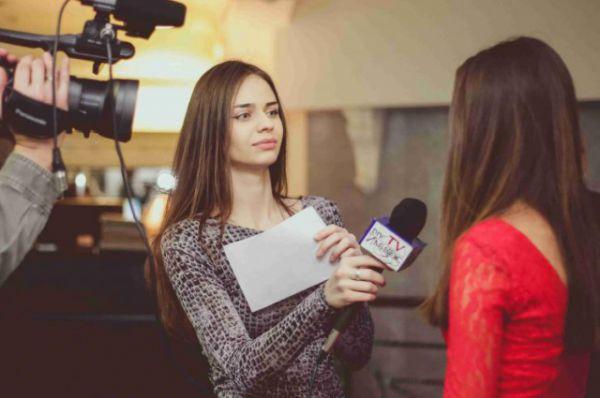 Также здесь можно пройти курс телеведущих под руководством ведущего актёра РАМТ Сергея Беланова.
