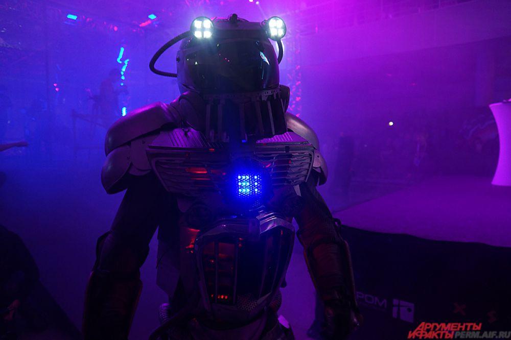 Битва роботов - одно из самых грандиозных шоу, которое проходило в стенах Пермской ярмарки.