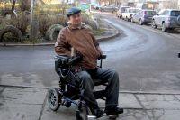 Александр Богатырёв считает, что право на льготы у инвалидов есть, но денег на них у региона нет.