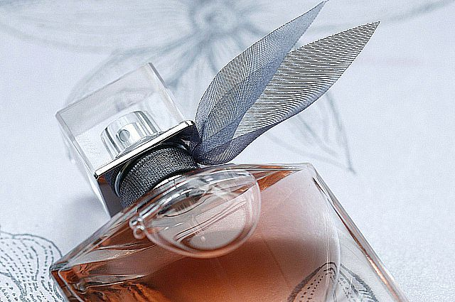 Запах женщины. Какую загадку хранят духи и как этим пользоваться 29f37a5985f