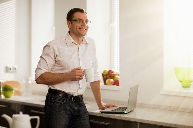 Сбербанк обслуживает дистанционно более 1 млн корпоративных клиентов.