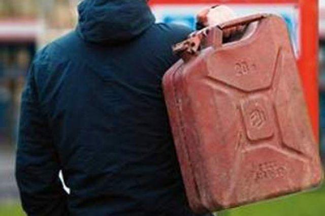 Преступник похитил 45 литров дизельного топлива.