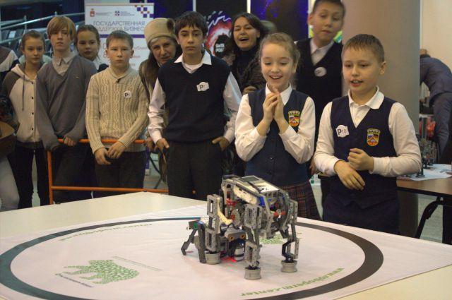 Сначала - маленькие роботы, потом - сложное инновационное оборудование.