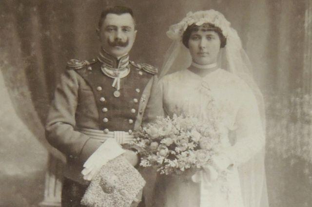 От свах до «подставных невест». Как женились в России в XVIII-XIX веках