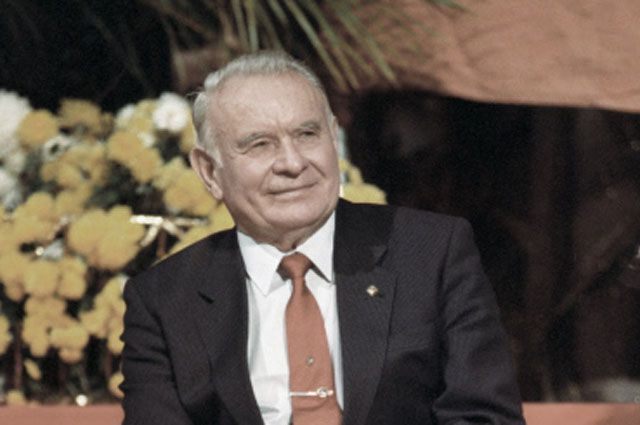 Константин Иванович Бесков.
