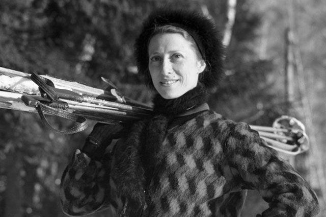 Майя Плисецкая на лыжной прогулке. 1962 год.