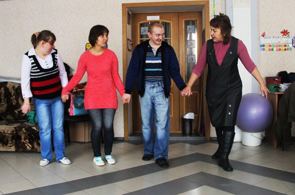 Обычно день преывания в Центре завершается танцами