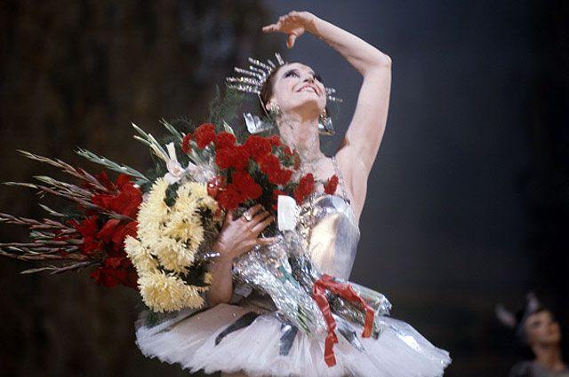Майя Плисецкая после окончания спектакля «Конек-Горбунок», 1971 год.