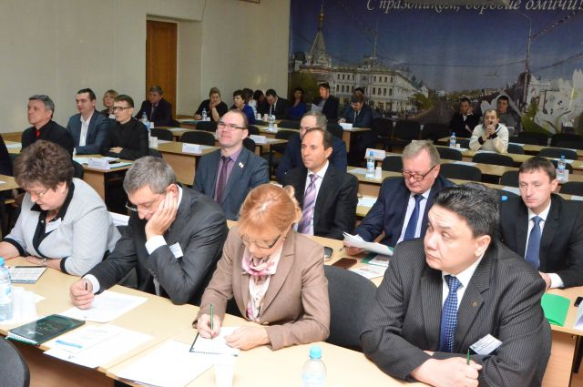 В ходе семинаров и круглых столов предприниматели получили важную информацию о развитии и ведении бизнеса.