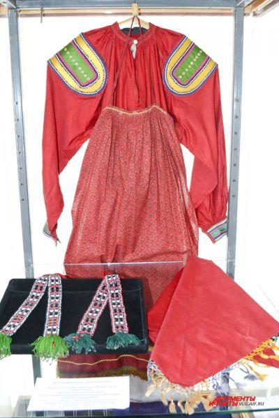 Женский праздничный свадебный костюм. Скопинский уезд Рязанской губернии, конец 19 – начало 20 века.