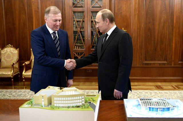 Владимир Путин и Муса Бажаев.