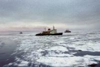 Атомный ледокол «Ленин» на северном морском пути.