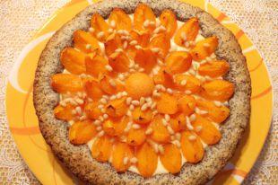 Маково-творожный пирог с фруктами.