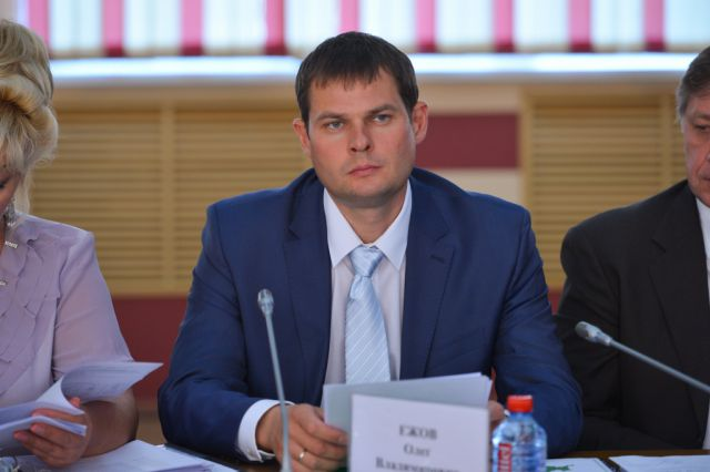 По решению главы региона куратором Тернейского и Анучинского муниципальных районов назначен вице-губернатор Олег Ежов.