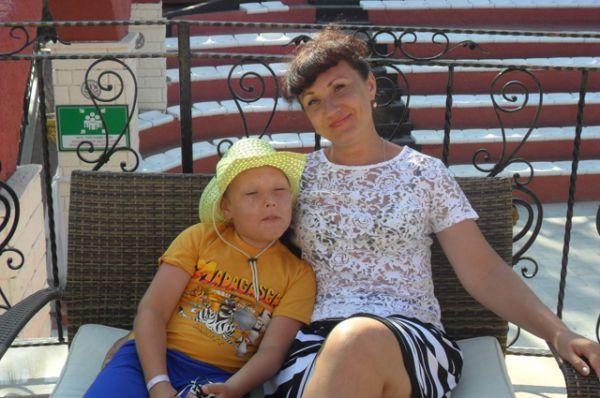 Елена Вольхина. С Днем матери!