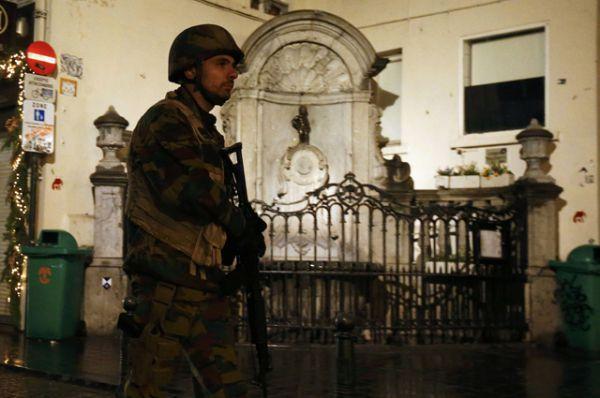 С 21 ноября в столице Бельгии объявлен наивысший уровень террористической угрозы.