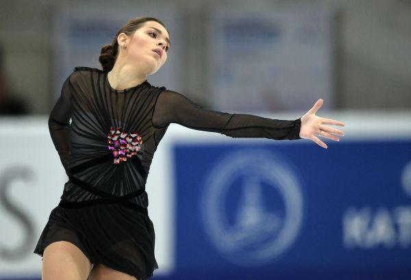 Аделина Сотникова выступает в произвольной программе женского одиночного катания V этапа Гран-при по фигурному катанию в Москве.