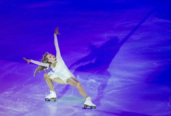 Елена Радионова во время показательного выступления на V этапе Гран-при по фигурному катанию в Москве.