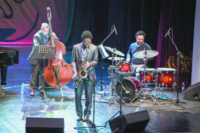В этом году международный джазовый фестиваль собрал на приморской сцене 12 джазовых коллективов.