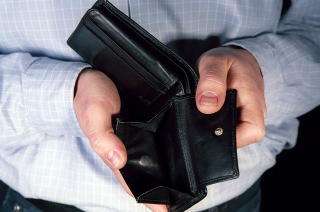 33 омича остались без денег из-за компании «КэшБэкинг».