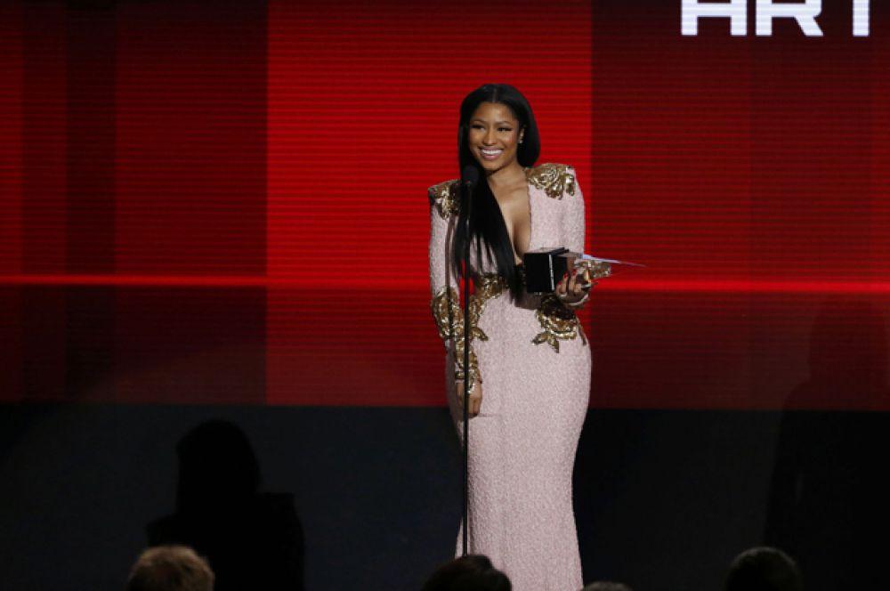 Ники Минаж, получившая награду как лучшая хип-хоп исполнительница.