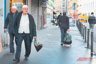 В некоторых районах Парижа до 70% населения - иммигранты.