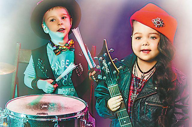 Михаил и Дарья хотят быть музыкантами.